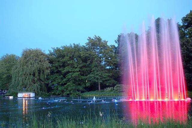 Wasserlichtspiele125