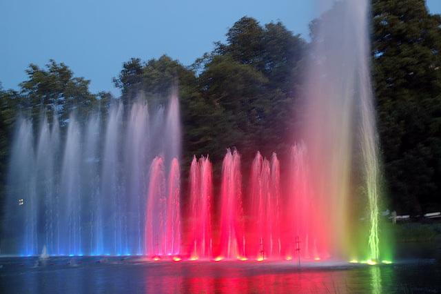 Wasserlichtspiele127