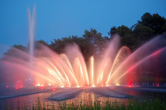 Wasserlichtspiele130