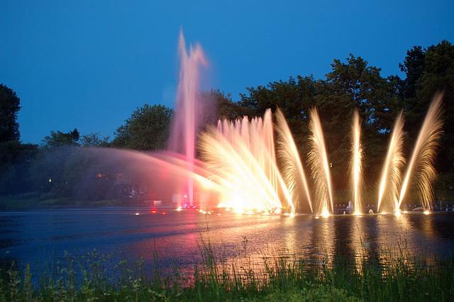 Wasserlichtspiele136