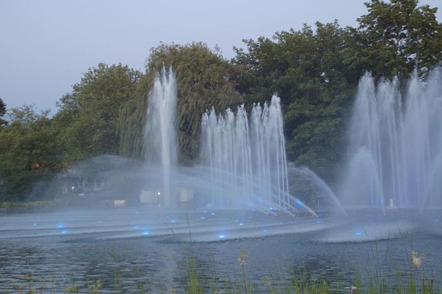 Wasserlichtspiele25