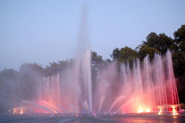 Wasserlichtspiele48