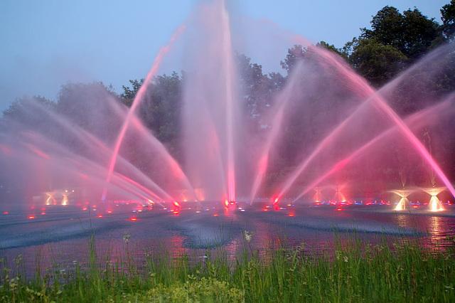 Wasserlichtspiele56