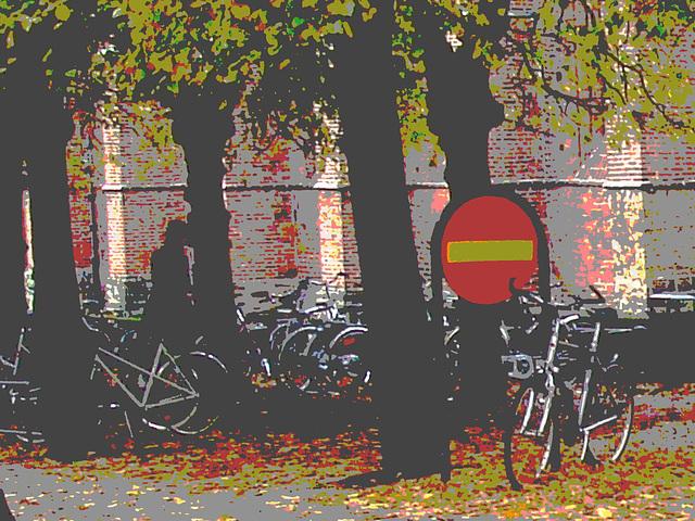 Église et vélos /  Church & bikes scenery  -  Helsingborg / Suède - Sweden.  22 octobre 2008-  Postérisée avec couleurs ravivées