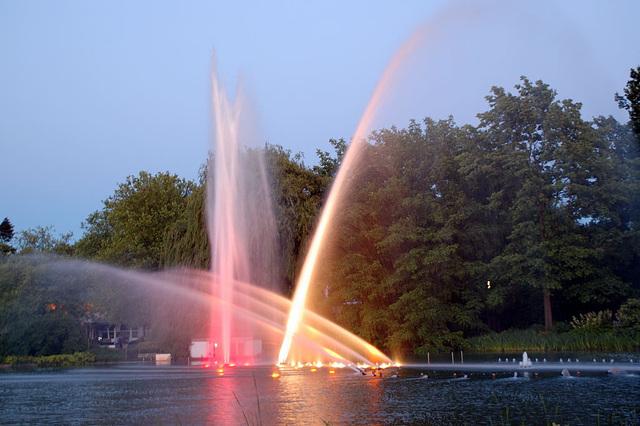 Wasserlichtspiele63