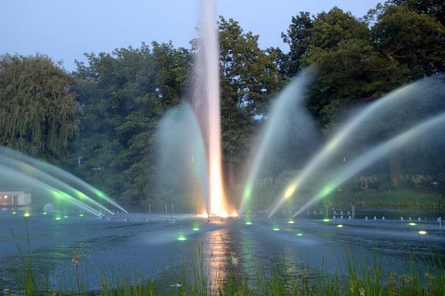 Wasserlichtspiele69