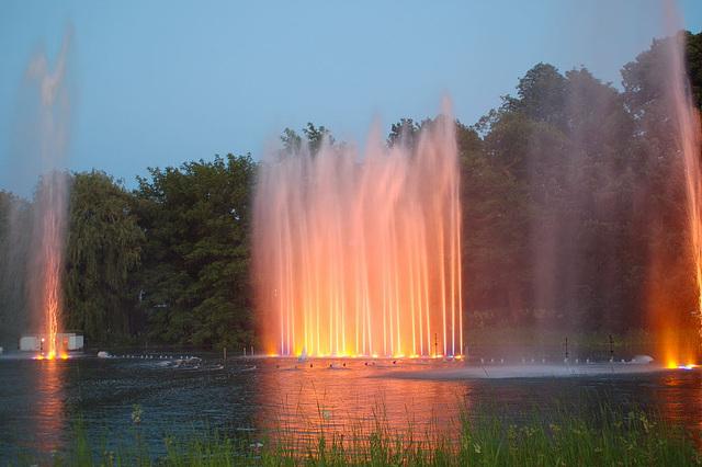 Wasserlichtspiele77