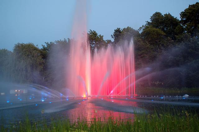 Wasserlichtspiele80