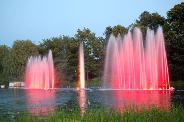 Wasserlichtspiele82