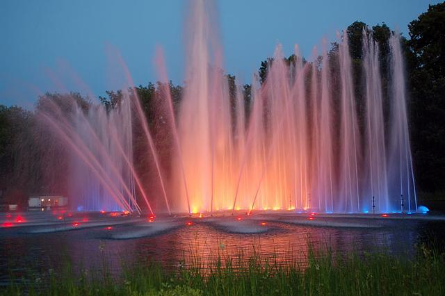Wasserlichtspiele85