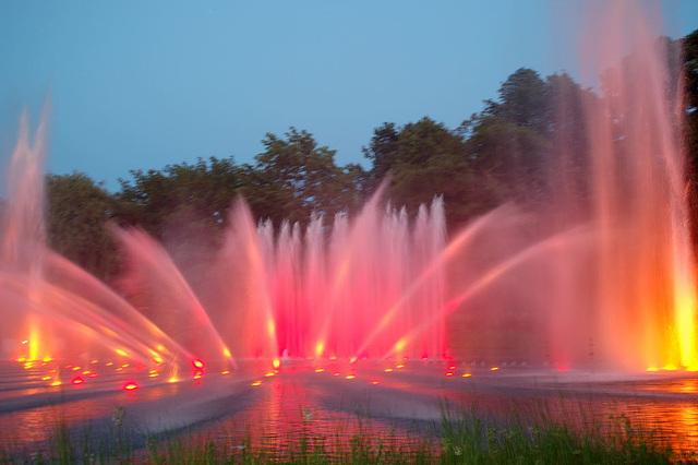 Wasserlichtspiele90