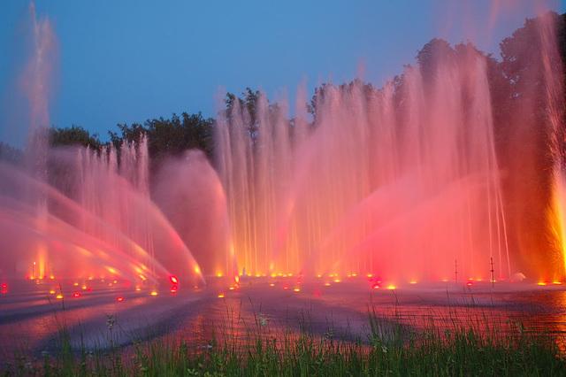 Wasserlichtspiele92