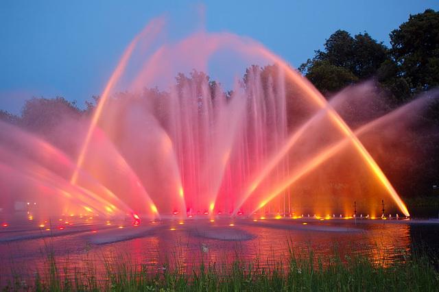 Wasserlichtspiele95