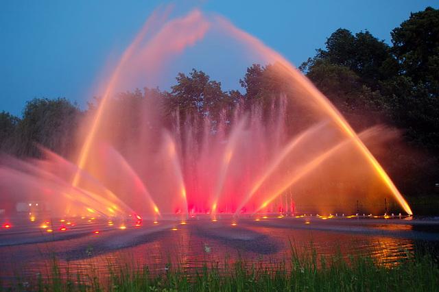 Wasserlichtspiele96