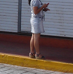 La Dame au cellulaire / Cell phone Lady.