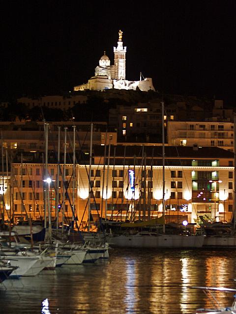 Notre Dame de la Garde, vue du port