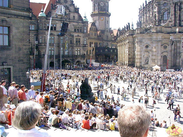 2003-05-04 .06 Dresdeno, sonorilokonsekrado