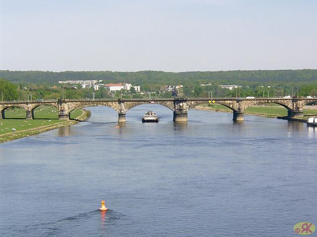 2003-05-04 54 Dresdeno, centro-promenado
