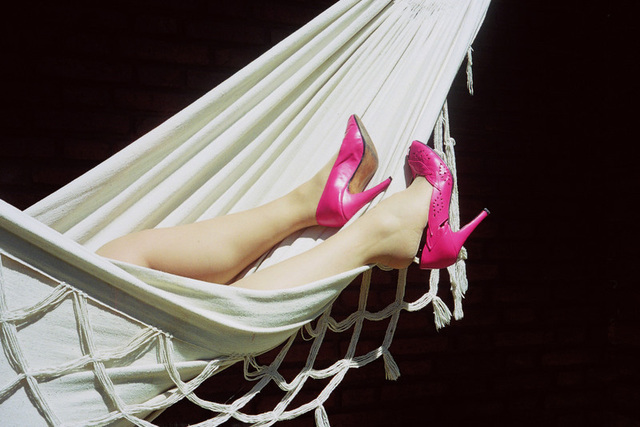 Lady Roxy avec permission - Douce relaxation en talons hauts roses /  Relaxing in pink heels