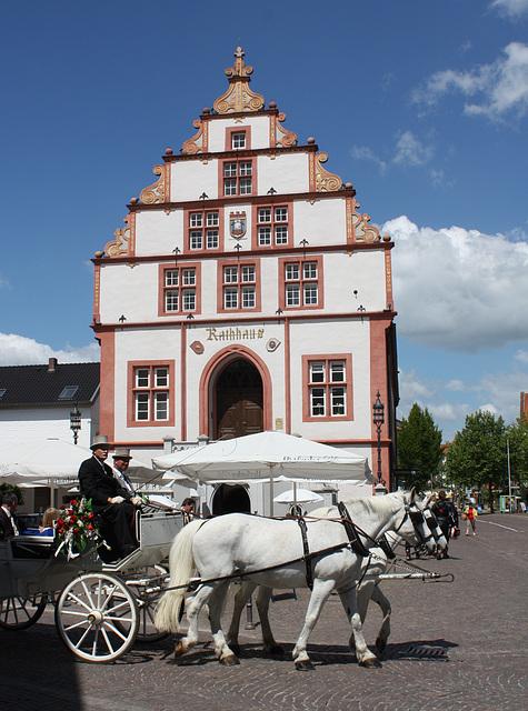 vorm Rathaus in Bad Salzuflen