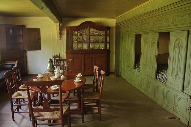 Bauernstube mit um 1880 modernen Einbaubetten