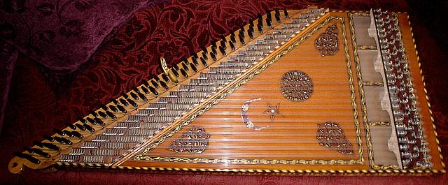 Le beau son du Qanûn ou Kanoun, Turquie
