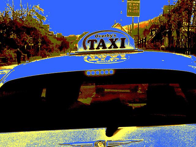 Overby's taxi -  Båstad  /  Suède - Sweden.  21-10-2008 -  Sepia postérisé et ajout intensif de bleu