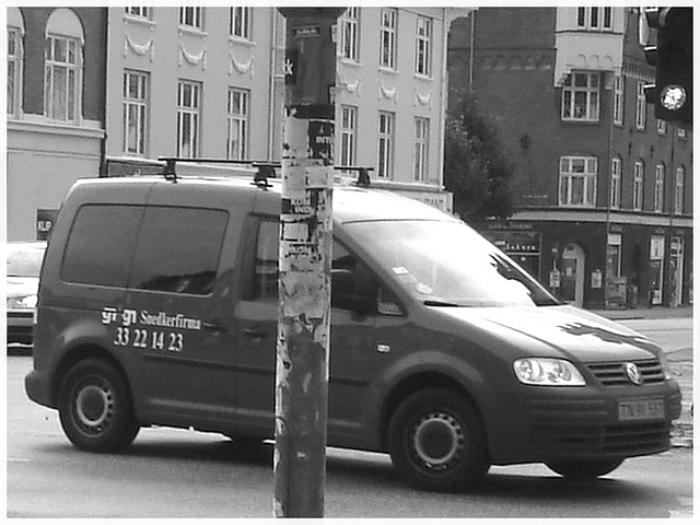 Camion rouge sur Copenhague !  20 octobre 2008 - B & W