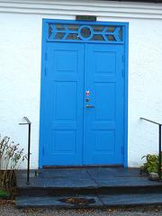 La porte bleu du Viking à la barbe bleue.... Viking blue beard's blue door house