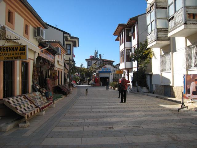 IMG 1518  Antalya Altstadtgasse