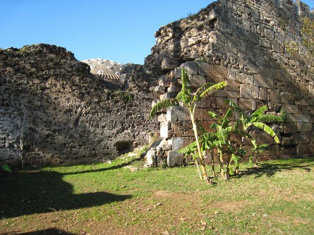 IMG 1607 Reste der alten Stadtmauer