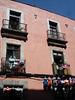 4 balcons / 4 balconies.