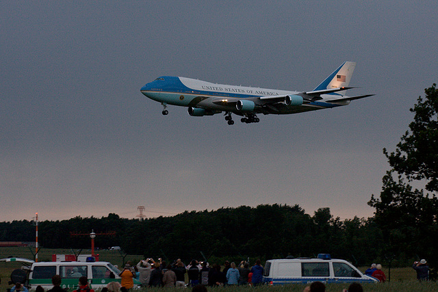 Dresden, 2009/06/04; 20:48. Air Force One.