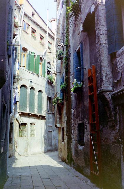 PICT0606 Venedig, Gasse