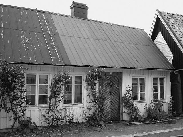 Maison / House  No-47  .  Båstad .  Suède / Sweden.  21-10-2008  - N & B