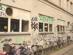 Graffitis Cykler et vélos / Cykler graffitis and bikes -  Copenhague  /   20-10-2008