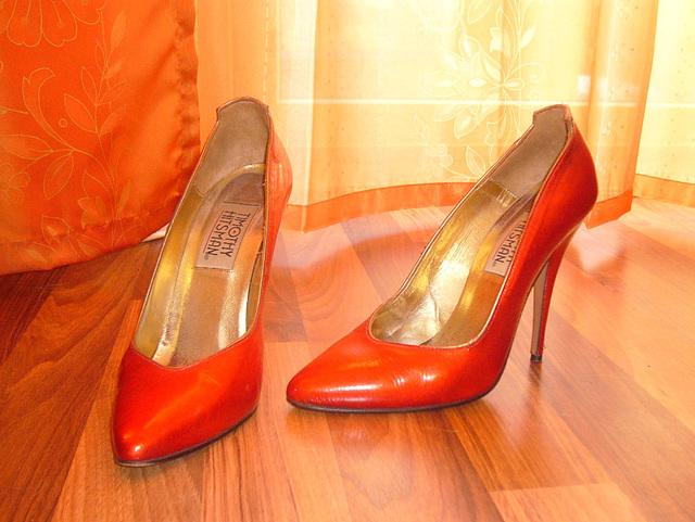 Elsa's friend high heels shoes with permission -  Les talons hauts de l'amie de Elsa avec permission -  Janvier / January 2009
