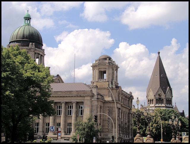 Hanseatisches Oberlandesgericht und russisch-orthodoxe Kirche
