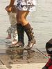 Photographe : Marie / Endroit : Aux alentours de Bordeaux - Avec permission - Maman sexy en jupe courte et bottes médiévales trempées