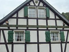 Ehrenstein – pastra domo (detalo)