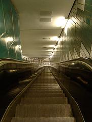 Rolltreppe U2 Messehallen