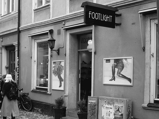 Façade podoérotique / Footlight store podoerotic façade  -  Helsingborg / Suède - Sweden.  22 octobre 2008- N & B