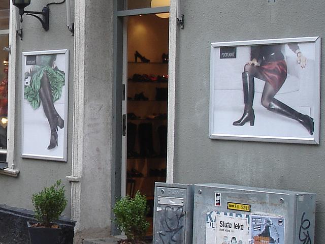 Façade podoérotique / Footlight store podoerotic façade  -  Helsingborg / Suède - Sweden.  22 octobre 2008