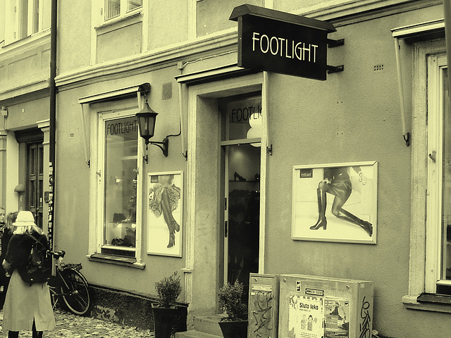 Façade podoérotique / Footlight store podoerotic façade  -  Helsingborg / Suède - Sweden.  22 octobre 2008  À l'ancienne