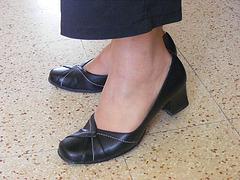 Christiane - Nouvelles chaussures / New shoes -  Avec permission. Avril 2009
