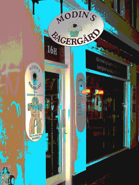 Un soir à Helsingor ....../   Helsingor by the night........Danemark / Denmark.   Octobre 2008 - Postérisée avec changement de couleurs