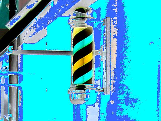 Salon de coiffure suédois / Swedish barber's shop - Helsinborg, Sweden / Suède.  22-10-2008 - Négatif et touche de bleu