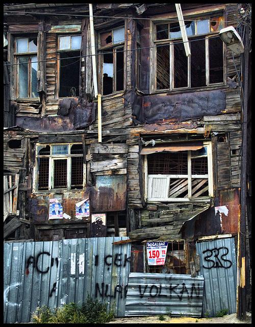 Volkan chaos house