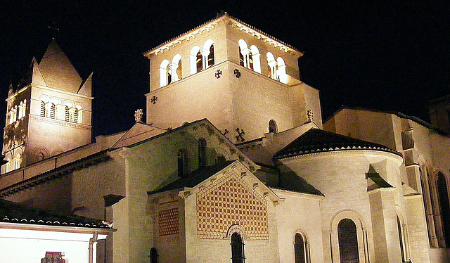 St Martin D'Ainay at night