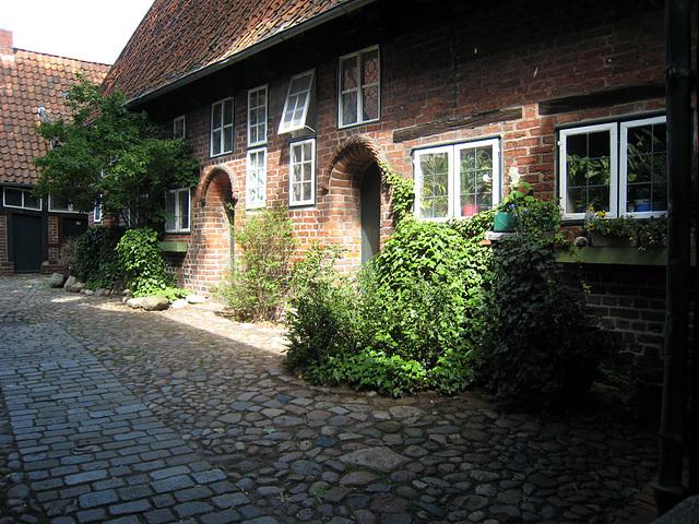 IMG 2492 Lüneburg, Rote-Hahn-Str., Innenhof